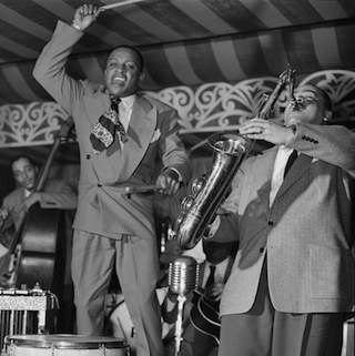 Lionel_Hampton_and_Arnett_Cobb_1946